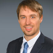 Stefan Warnecke, Manager, Strategic Service Consulting